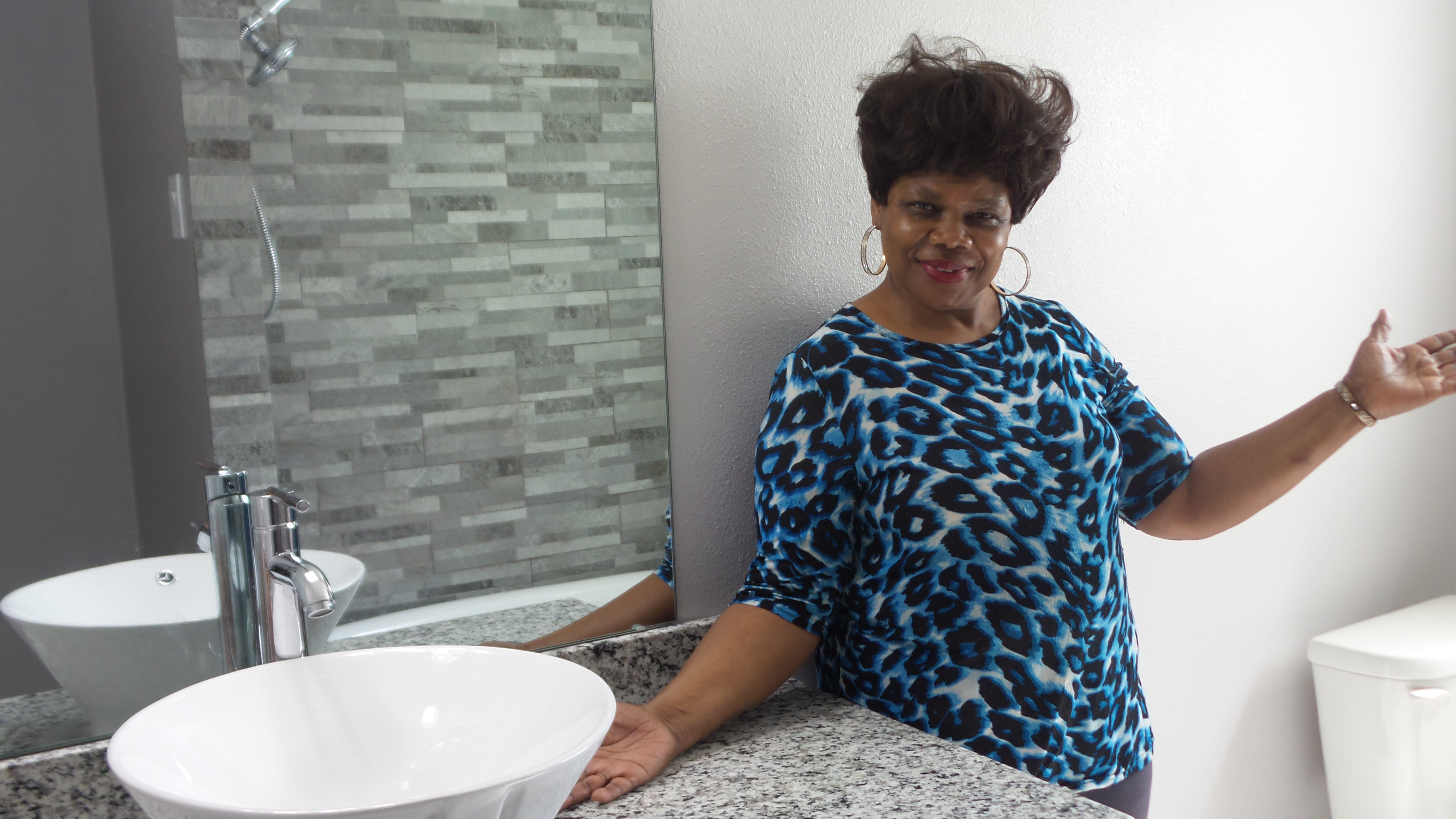 DR MELBA CARTER NEW BATHROOM 2.jpg